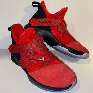 Nike Lebron Soldier XII  Size 6.5 Youth